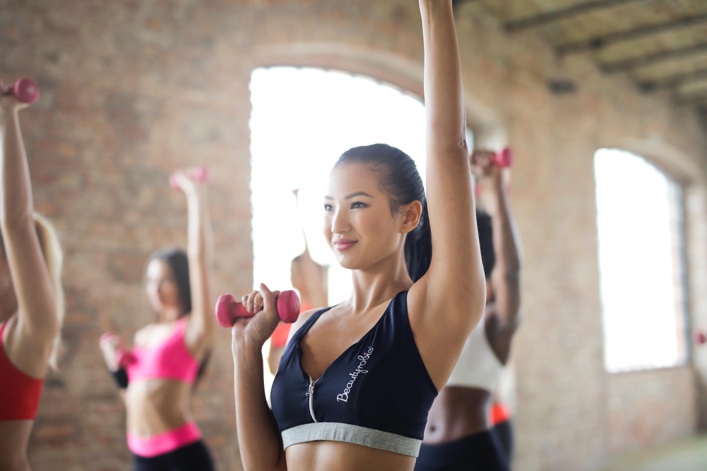 Vận động cũng là yếu tố giúp bạn giảm cân